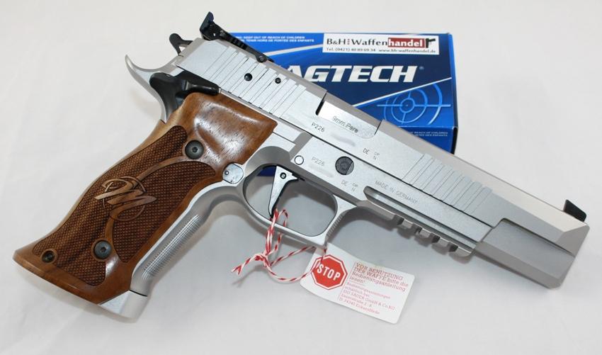 Sig Sauer P226 X-Six PPC angeboten von B&H Waffenhandel