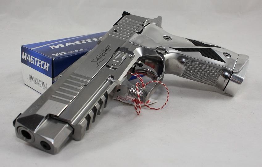 Sig Sauer Mastershop Individual P226 X-Five Chrome & Carbone ein Angebot von B&H Waffenhandel