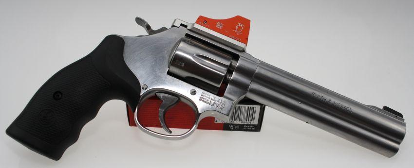 Smith & Wesson S&W Mod. 617 6 Zoll 6-Schuss Trommel Kal. .22lr mit Docter Sight C angeboten von B&H Waffenhandel